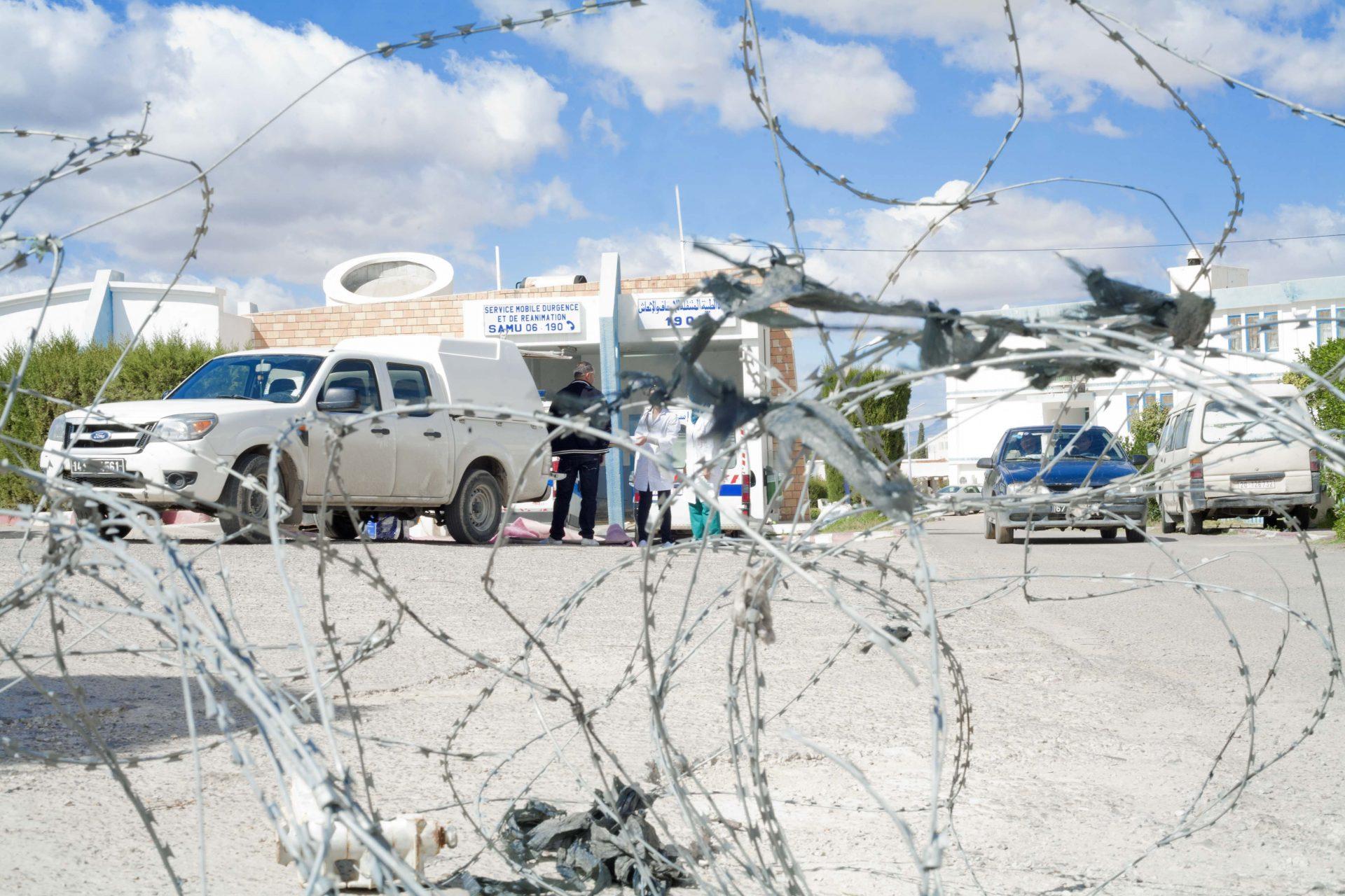 SUR LES TRACES DE LA RÉVOLUTION TUNISIENNE